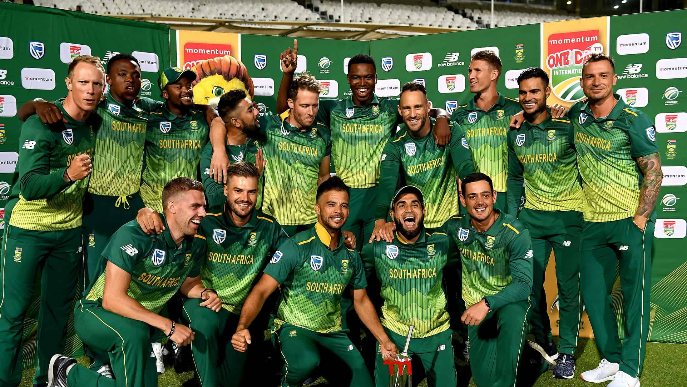 The South African cricket team posing for a photo