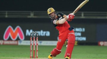 IPL News: De Villiers Rolls Back the Years in RCB Win